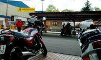 Motos aparcadas en el Polideportivo Pablo Cáceres, última sede de la concentración motera