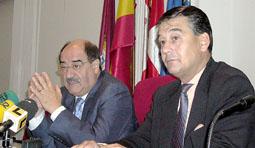Crescencio Martín Pascual (Izq) y Javier Rodríguez (Dcha) en una imagen de archivo