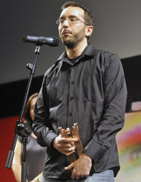 Enrique Gato con su Roel de Director del Siglo XXI en la 26 Semana de Cine de Medina del Campo