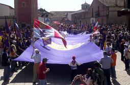 Pendón gigante desplegado en Villalar durante una anterior celebración del Día de la Comunidad