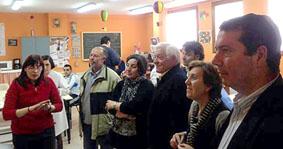 Alcaldes y alcaldesas de la comarca de Tordesillas visitan en Taller Ocupacional.