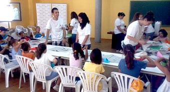 Imagen de uno de los talleres infantiles impartidos por Cruz Roja Juventud.
