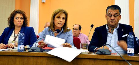 La edil del PP Virginia Serrano durante su intervención en el Pleno.