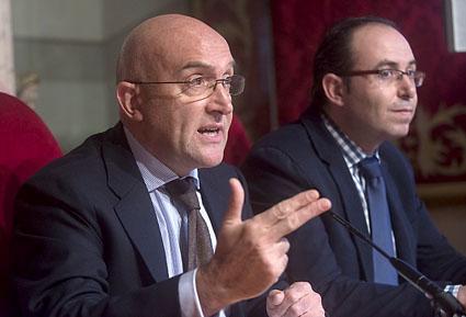 El presidente de la Diputación, Jesús Julio Carnero, presenta el proyecto de presupuestos 2014.