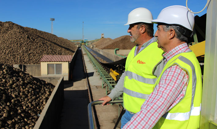Ramón Bocos y Justino Medrano, durante su visita a las instalaciones de Acor.
