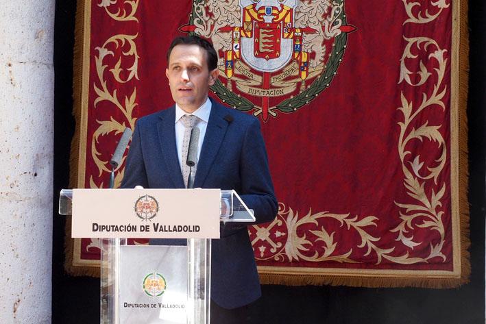 Conrado Íscar interviene en la firma del plan de choque contra la crisis del coronavirus.